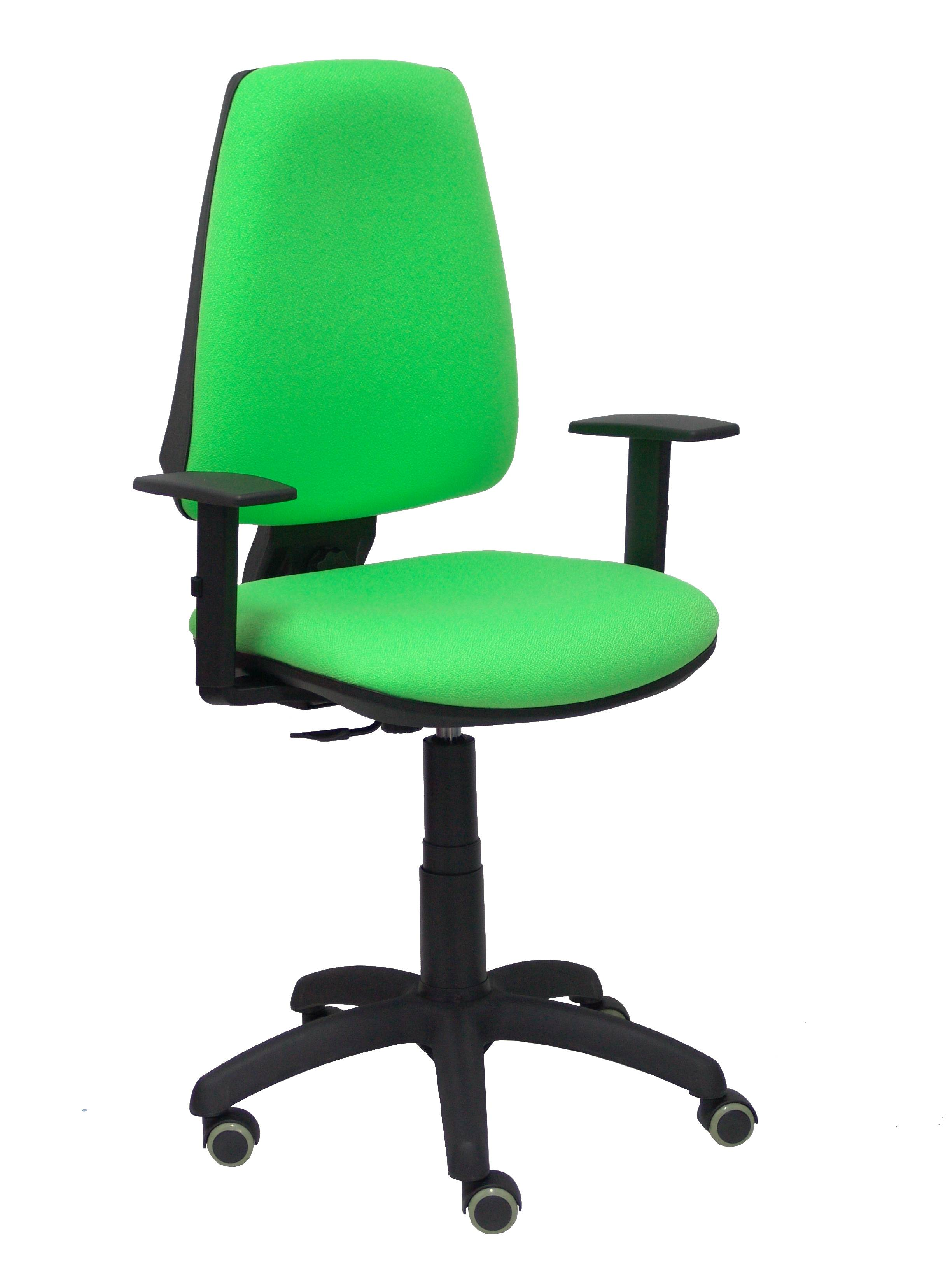 Silla Elche CP bali verde pistacho brazos regulables ruedas de parquet