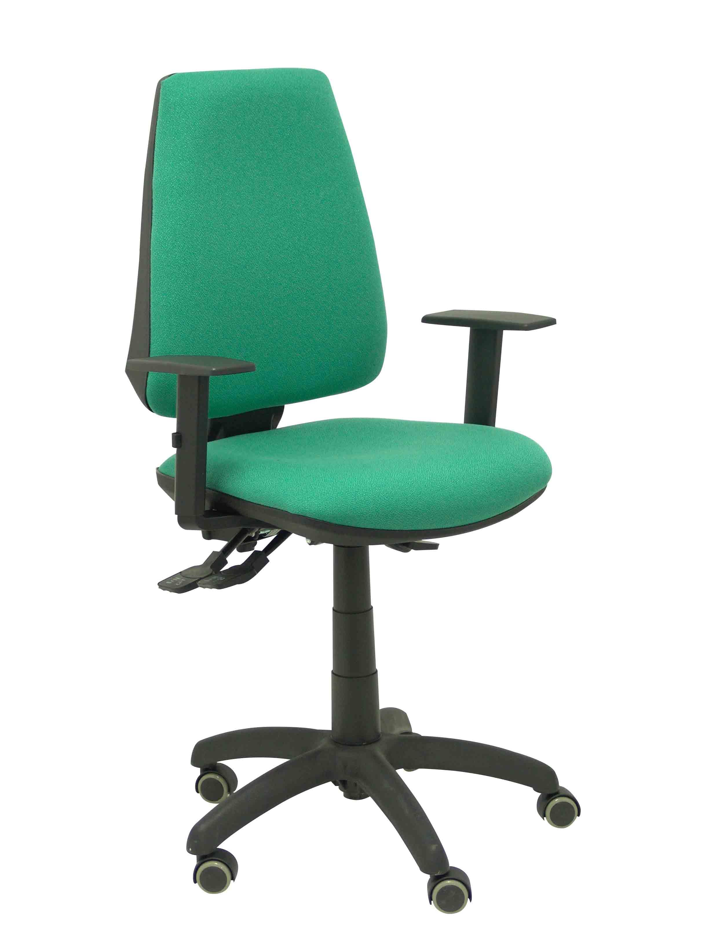 Silla Elche S bali verde brazos regulables ruedas de parquet
