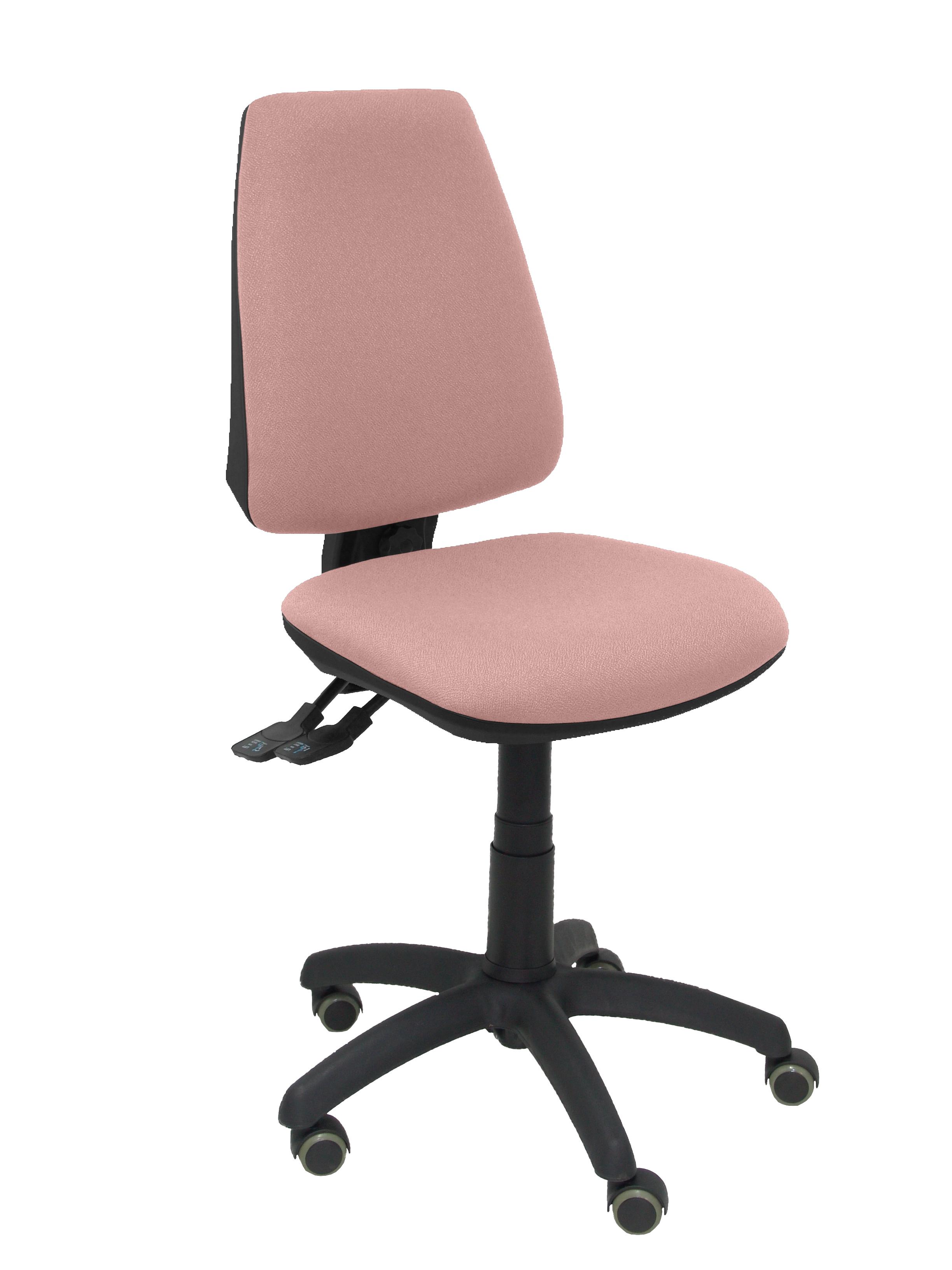 Silla Elche S bali rosa pálido ruedas de parquet