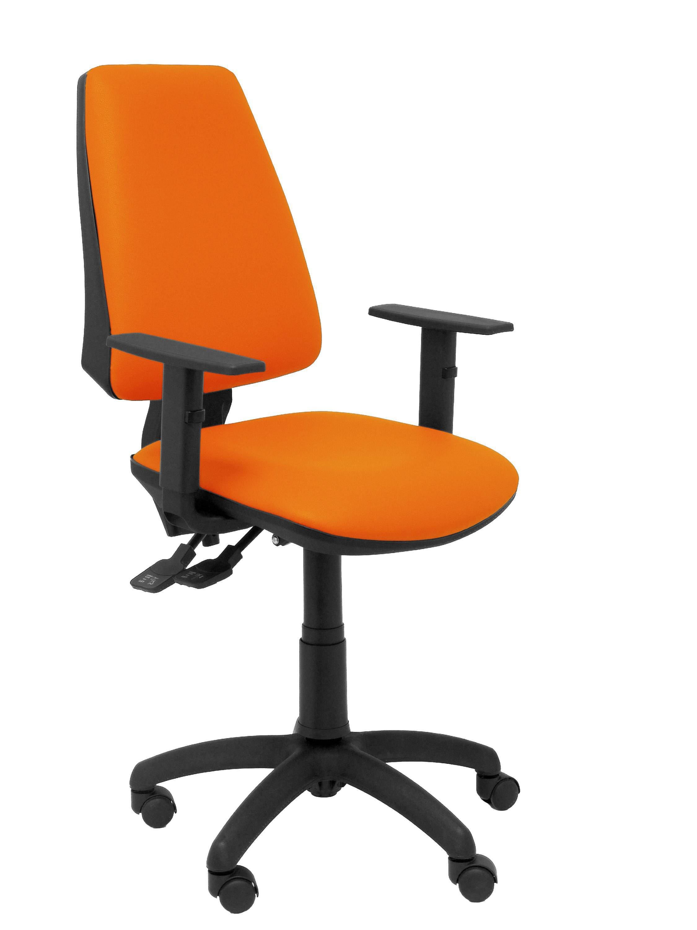 Silla Elche sincro similpiel naranja con brazo regulable