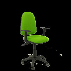 Silla Ayna S bali verde pistacho con brazos ajustables y ruedas de parquet